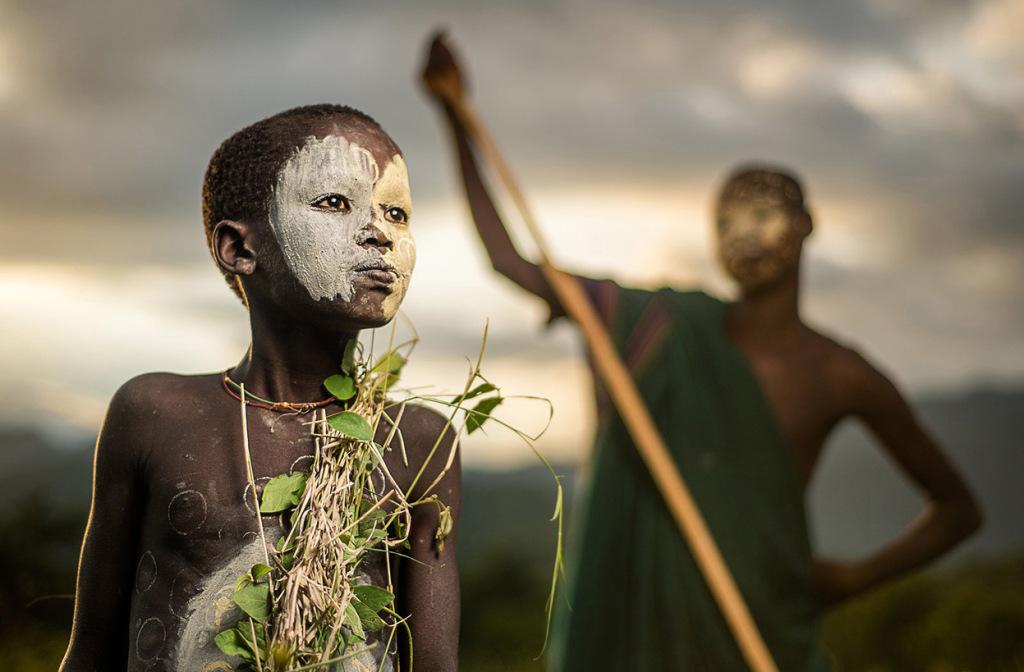 niño nomada de etiopia
