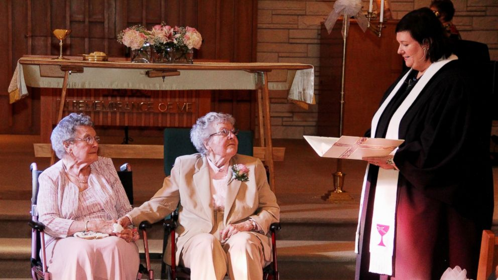 pareja de iowa casandose finalmente